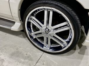"26"" tis 04 wheels rims & tires lexani dub Giovanna asanti forgiato for Sale in Los Angeles, CA"