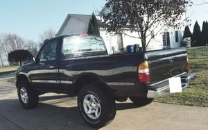 Great FOR OFF Road! Toyota TACOMA 2001 for Sale in Sterling Heights, MI