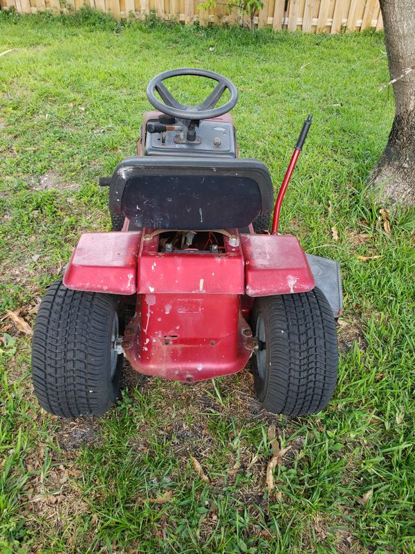 Murray tractor to cut the lawn