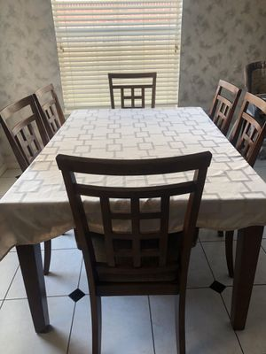 Dining kitchen table with chairs match girl moving out sale for Sale in Sugar Land, TX