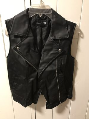Black women's leather vest size small. for Sale in Arcadia, CA