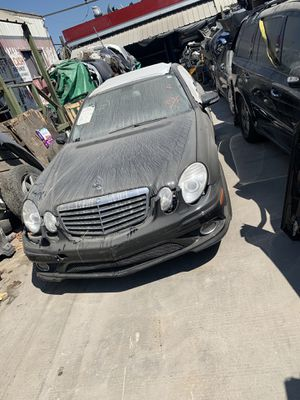 Parting out 2009 Mercedes Benz E350 W211 for Sale in Los Angeles, CA