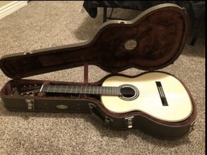 Guitar Córdoba C12 SP Spruce with Humi case. for Sale in Las Vegas, NV