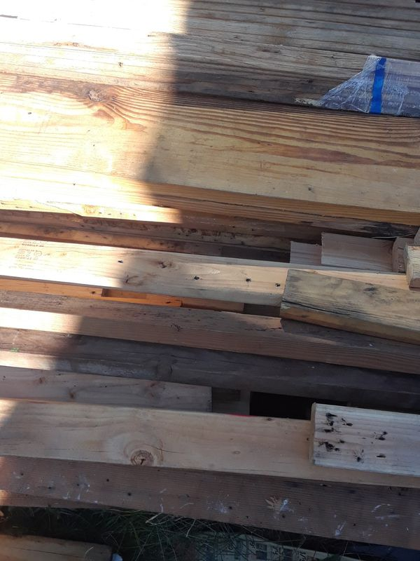 FREE Flooring hardwood and construction lumber lot(Bloomfield)