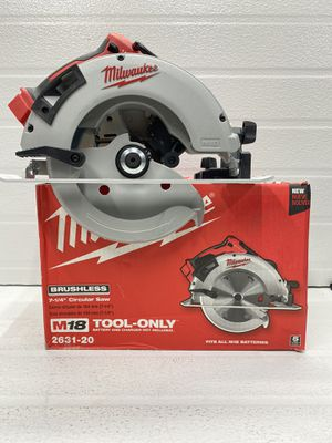 Milwaukee M18 18-Volt Lithium-Ion Brushless Cordless 7-1/4 in. Circular Saw (Tool-Only) for Sale in Bakersfield, CA