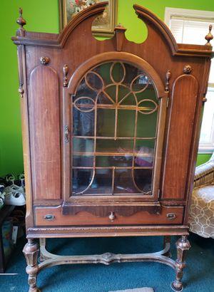 Antique China Cabiney for Sale in Allen Park, MI
