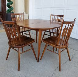 Absolutely STUNNING Vintage Mid-Century Mid CENTURY Drexel 5 Pieces Dining Table Set + 4 Matching Spindle Bck Chairs + 2 Xtra Leaves INCL Kipp Stewart for Sale in Monterey Park,  CA