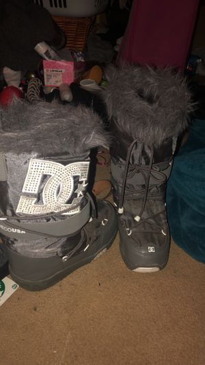 DC womens snow boots for Sale in Seattle, WA
