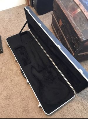 Bass guitar hard case for Sale in Houston, TX