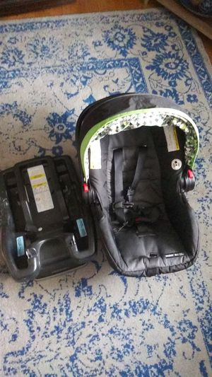 Graco click conect rear faceing car seat. Times 2. for Sale in Kirkville, NY