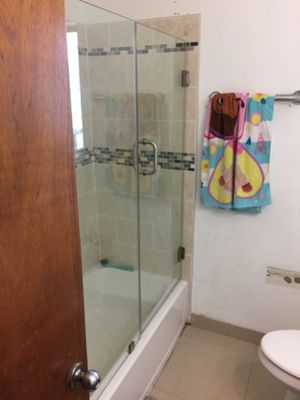 Shower doors for Sale in Miami, FL