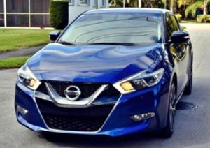 CLEAN 2O15 Maxima 3.5 SR for Sale in Somerset, MA