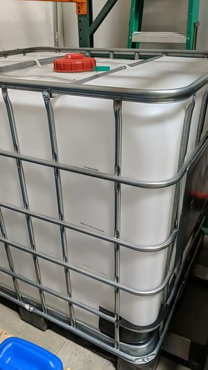 IBC tote 275 gallons for Sale in Irvine, CA
