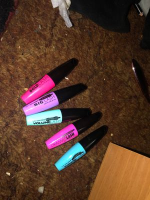 Make up mascara for Sale in Gladstone, OR