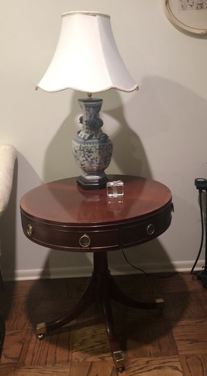 Baker end table for Sale in Philadelphia, PA
