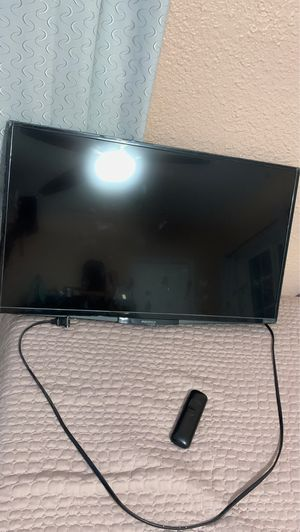 32 inch insignia tv for Sale in CRYSTAL CITY, CA