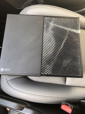 Xbox one and headset for Sale in Winter Garden, FL