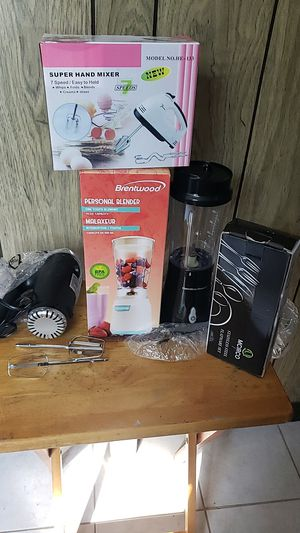 Steamer,blenders,flatware set,hand mixer. $10 dollars each for Sale in Glenarden, MD