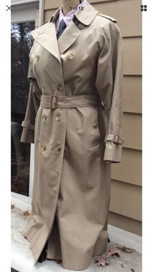 Burberry trench coat for Sale in Pittsburgh, PA