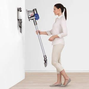 Dyson V8 Animal ** FACTORY SEALED * * BRAND NEW ** for Sale in Miami Beach, FL