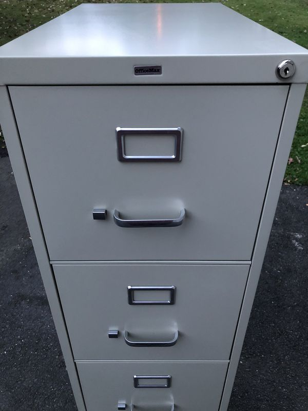 OfficeMax. 4-Drawer Metal Filing Cabinet. Like-New! Delivery available!🚚.