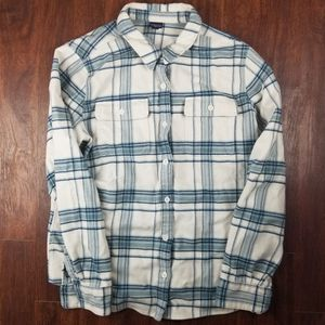 Patagonia men's flannel size L for Sale in Aurora, CO
