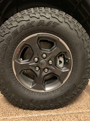 2020 Jeep Gladiator 17' Rubicon Wheels & 33' Falken Tires for Sale in Phoenix, AZ