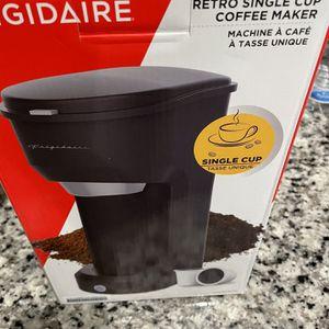 Frigidaire Retro Single Cup Coffee Maker for Sale in Stafford, VA