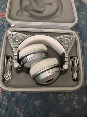 Ariana Grande limited edition headphones for Sale in Miami, FL