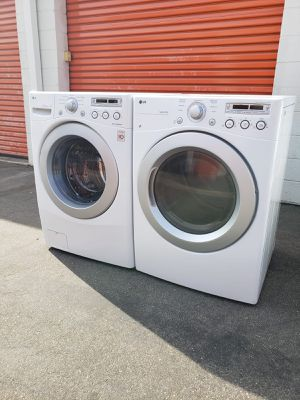 WASHER AND DRYER SET LG for Sale in Whittier, CA