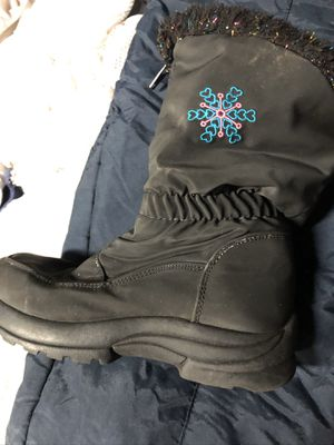 Size 12 snow boots for Sale in Murrieta, CA