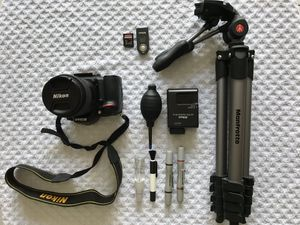 Nikon D7100 with Nikon AF-S DX NIKKOR 18-300mm f/3.5-6.3G ED Vibration Reduction Zoom Lens with Auto Focus for Nikon DSLR Cameras for Sale in Miami, FL
