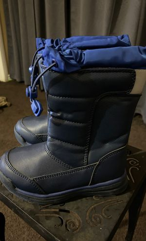 Toddler Boy size 10 snow boots rain boots for Sale in Torrance, CA