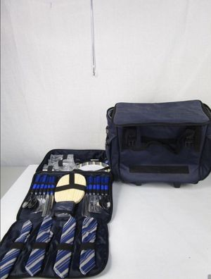PICNIC 🧺 PAC SET AND COOLER for Sale in Orlando, FL