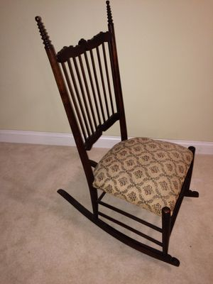 Gorgeous antique rocking chair for Sale in Chicago, IL
