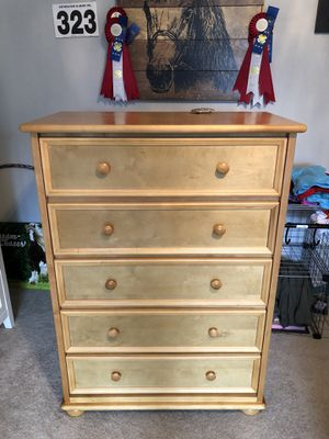 Dresser for Sale in Orondo, WA