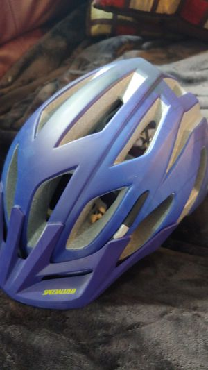 Specialized - Men's bike helmet for Sale in Harrison charter Township, MI
