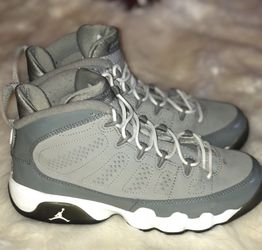 Cool Grey Retro 9 Size 5Y for Sale in Alexandria,  VA