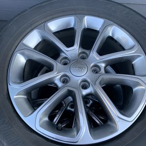 2015 Jeep Grand Cherokee wheels/tires for Sale in Puyallup, WA