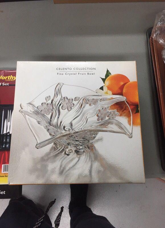 Celentro crystal fruit bowl for Sale in Las Vegas, NV - OfferUp