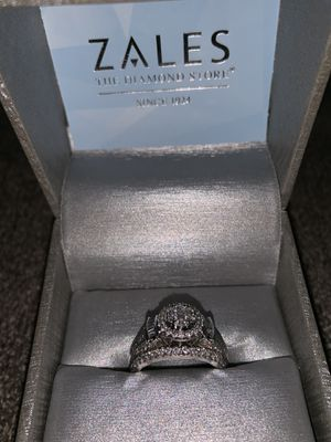 Beautiful 2 Carat Diamond Engagement Ring. Give me your best offer and it's yours for Sale in Washington, DC