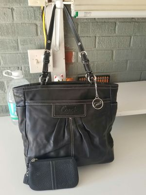 Coach purse and wrislet wallet bundle for Sale in Lincoln Acres, CA