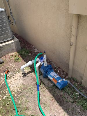 Water pump / water well for Sale in Miami, FL