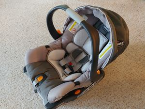 Chicco keyfit30 for Sale in Charlottesville, VA