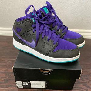"Air Jordan Retro 1 Mid ""Grape"" for Sale in Fort Worth, TX"