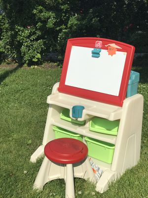 Kids desk, in great condition all pieces for Sale in Chicago, IL