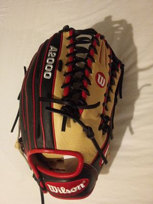 A2000 Baseball glove New 12.75 Wilson for Sale in National City, CA