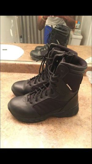 Men's Smith and Wesson leather boots - size 9.5 for Sale in Riverdale Park, MD