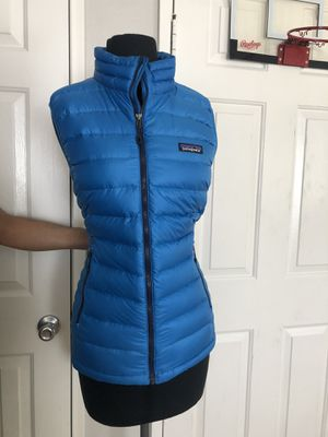 Patagonia brand Light weight vest size L like new for Sale in Hemet, CA