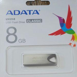 ADATA 8gb USB Flash Drive... Para MUSICA, Videos Y Fotos for Sale in Los Angeles, CA